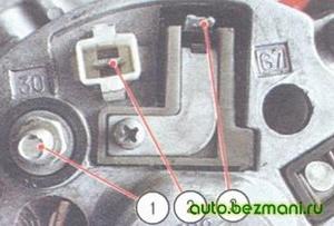 Расположение выводов на задней стенке генератора ВАЗ