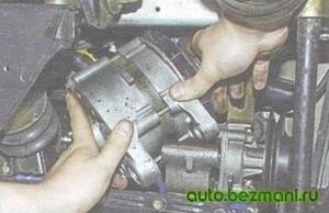 Снятие генератора с двигателя ВАЗ