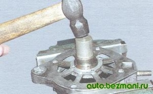 Выпрессовка переднего подшипника генератора ВАЗ
