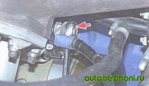 Снятие провода с верхнего болта тягового реле
