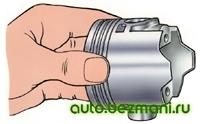 проверка посадки пальца в поршне