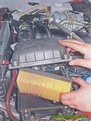 Снятие воздушного фильтра ВАЗ-2104, ВАЗ 2105, ВАЗ 2107