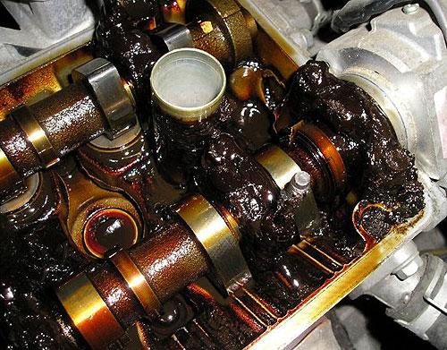 Нужно ли промывать масленую систему двигателя при замене масла
