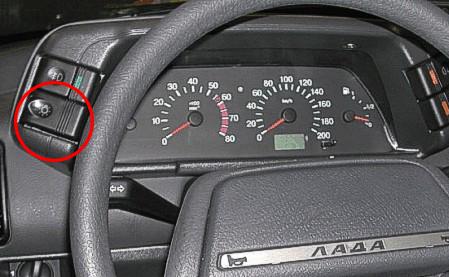панель приборов ВАЗ-2110, включатель габаритов и света