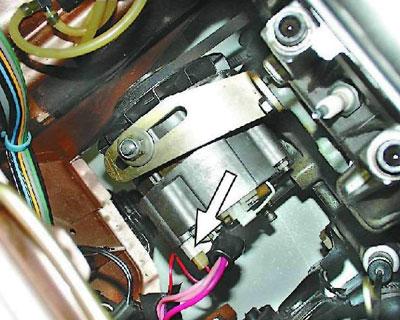 Установленный генератор ВАЗ-2109