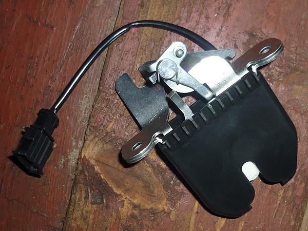 Установка замка багажника от Калины на ВАЗ-2114