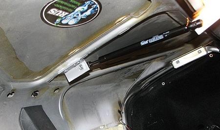 ВАЗ-2115 замена торсионов багажника одним амортизатором по центру