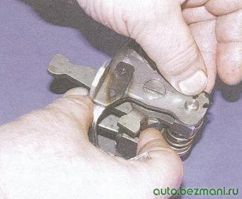 стопорное кольцо направляющей оси блокировочных скоб
