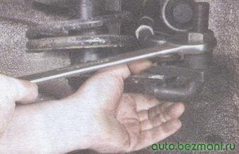 палец шарового шарнира рулевой тяги