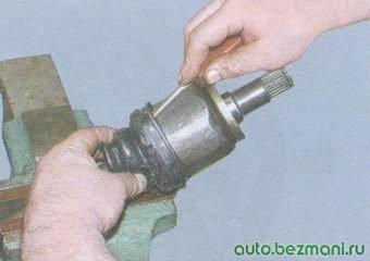 установка пыльника на корпус шруса