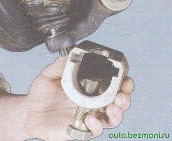 съемник для выпрессовки шаровой опоры