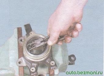 стопорное кольцо поворотного кулака