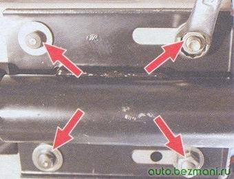 места крепления рулевой колонки к кронштейну кузова автомобиля ваз 2108, ваз 2109, ваз 21099
