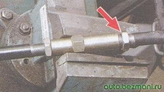 контргайка крепления наконечника рулевой тяги