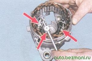 гайки крепления выводов статора генератора