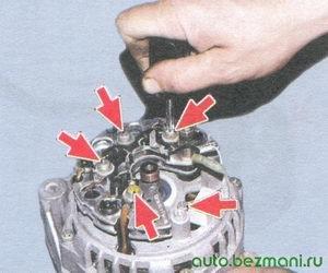 винты крепления выпрямительного блока - винт крепления конденсатора