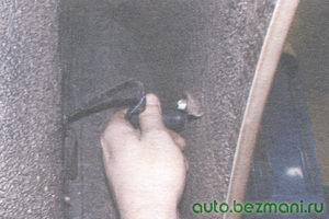 установка лампы бокового повторителя указателя поворота