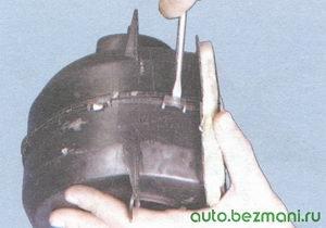 пластмассовые защелки кожуха вентилятора отопителя