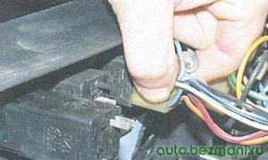 разъем выключателя аварийной сигнализации