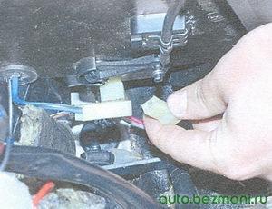 разъем электродвигателя отопителя салона