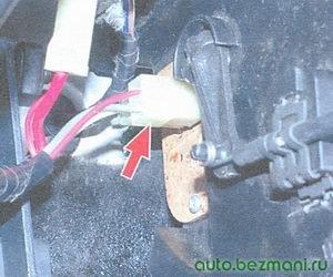 разъем резистора отопителя салона