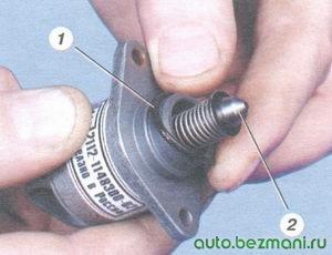 1 уплотнительное кольцо регулятора холостого хода, 2 клапан