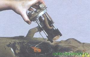 топливный насос с датчиком уровня топлива