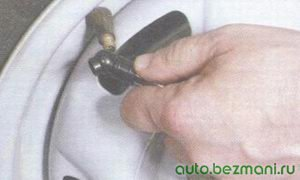 стравливание воздуха из шины