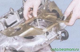 теплоизоляционный щиток карбюратора