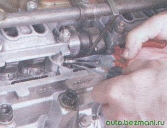 установка регулировочной шайбы клапана