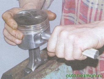 установка поршенвого пальца