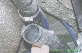 шланг наливной трубы бензобака