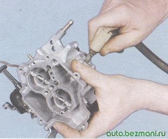 жиклер ускорительного насоса