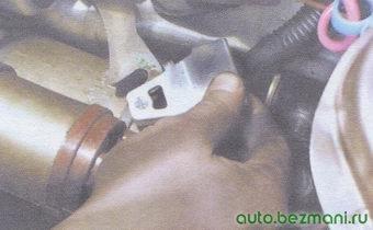 наконечник троса рычага привода выключения сцепления